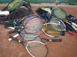 ソフトテニスで肩から下でのカットサービスの禁止