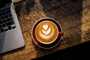 コーヒー及び糖質による眠気、コーヒーと麦茶のコスパ比について