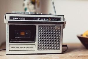 ラジオが人気!面白い番組、パーソナリティ5選