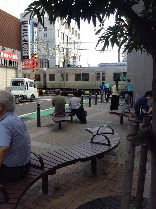 京王井の頭線永福町駅前の踏切