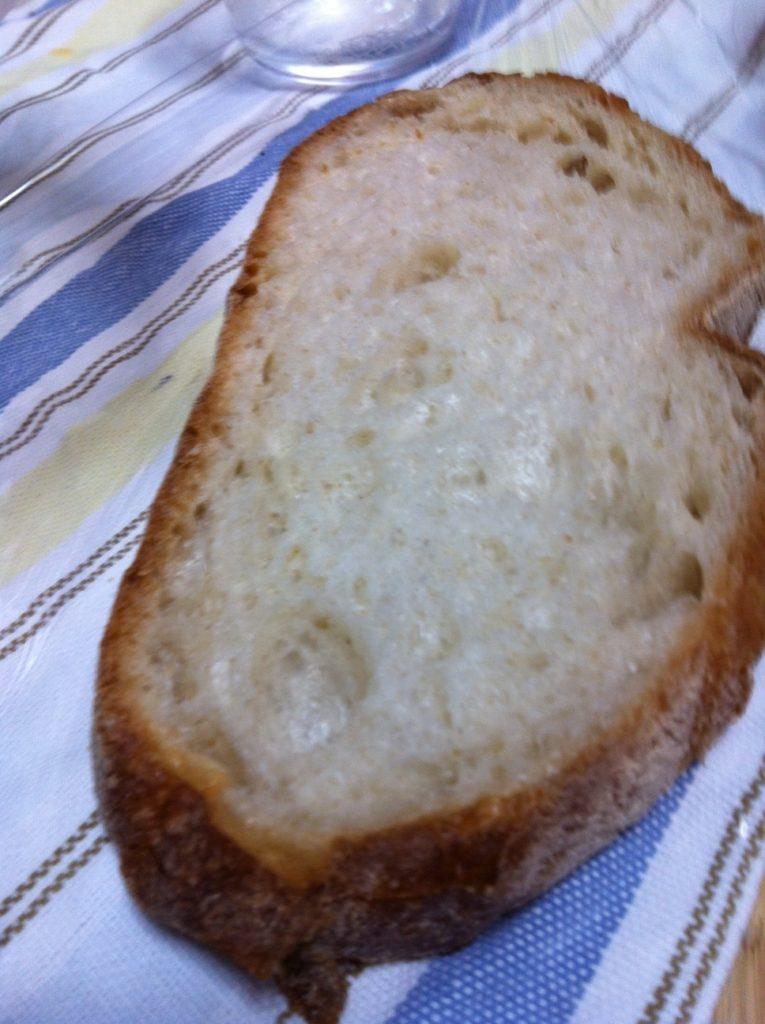 石窯パン・ド・カンパーニュ(石臼挽き小麦)のスライス
