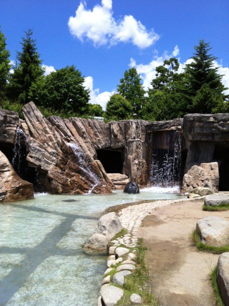 フルーツ公園の洞窟の滝