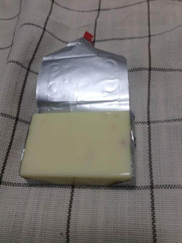 コープ アーモンド入りベビーチーズ60g(4個)