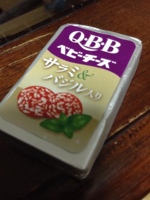 QBB ワインに合うベビーチーズ サラミ&バジル入り