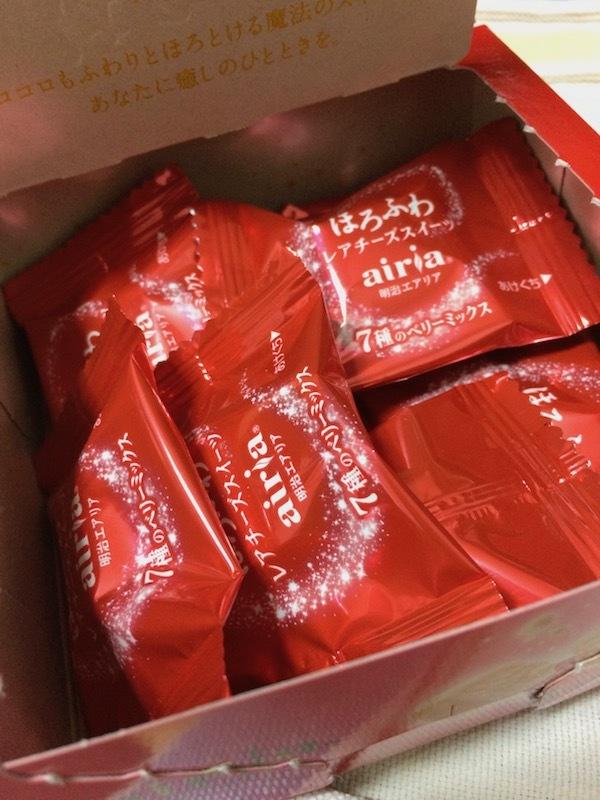 ほろふわレアチーズスイーツ明治エアリア 7種のベリーミックス