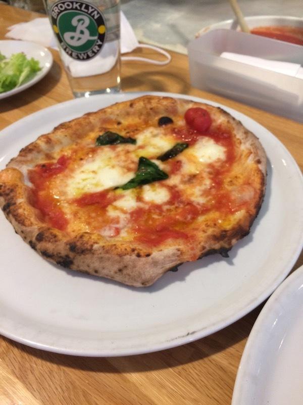 フレイズ フェイマス ピッツェリア (FREY's Famous Pizzeria) のマルゲリータ