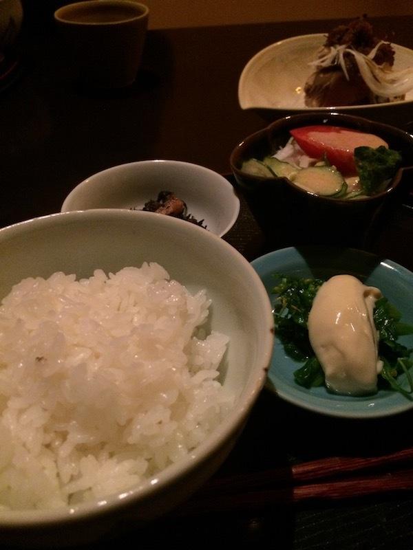 楮山(かじやま)の落ち着いた雰囲気の個室で食べる日本料理のランチ1200円