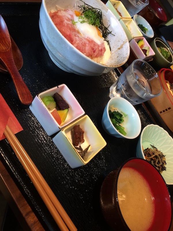 茶彩 絲 (ちゃさい いと)の日替わりランチ920円の驚くべきコスパ