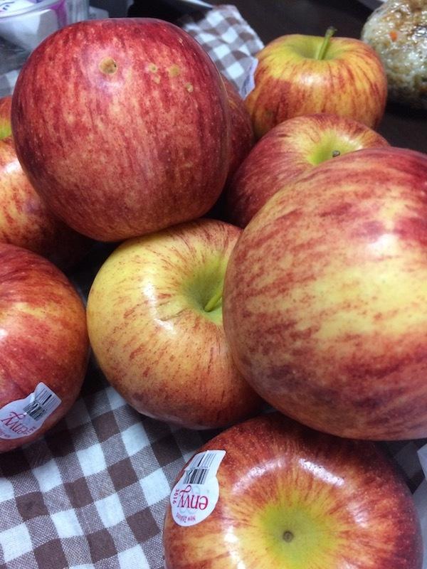 エンヴィー(envy)は美味しいし安いし長持ちするおすすめな輸入りんご