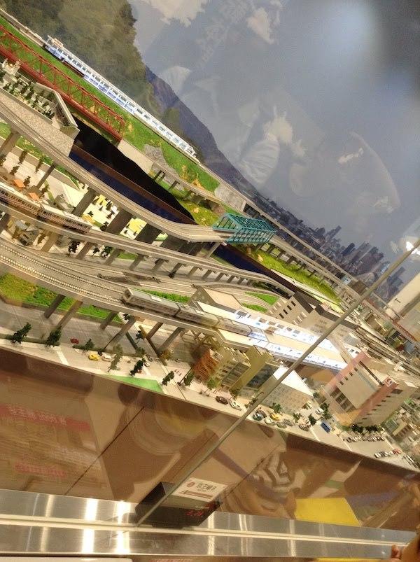 ジオラマ展示でHOゲージの鉄道模型を運転するのは100円かかるけどおすすめ