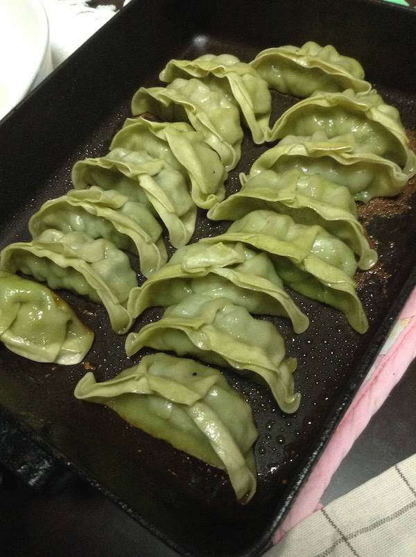 仙台あおば餃子(いなげや食卓応援セレクト)は超美味しいので高コスパ