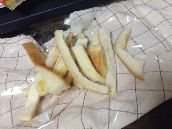 食パンの耳を使った安いし美味しいレシピ