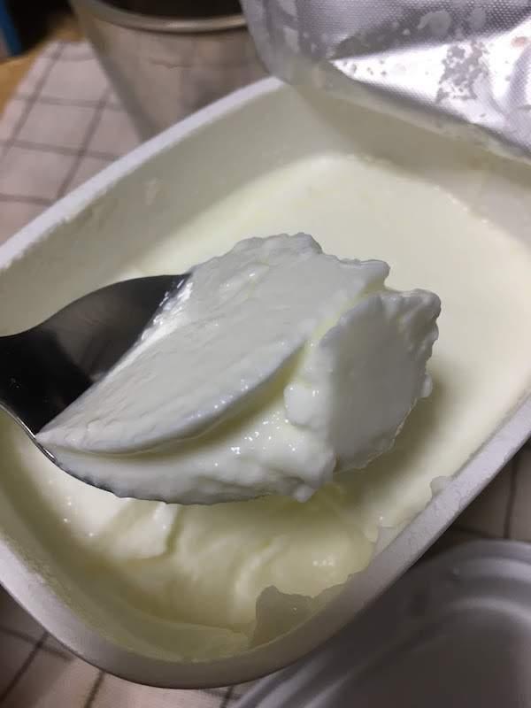 Secoma北海道とよとみ生乳100%プレーンヨーグルトは高級で美味しい