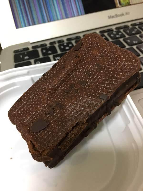 情熱価格やさしい甘さのカカオケーキ(ドンキ)
