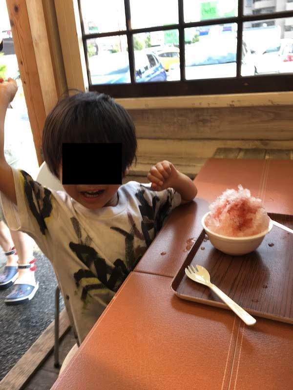 四代目氷屋徳次郎 日光天然のかき氷 和人堂(あぜみち)はおすすめだ