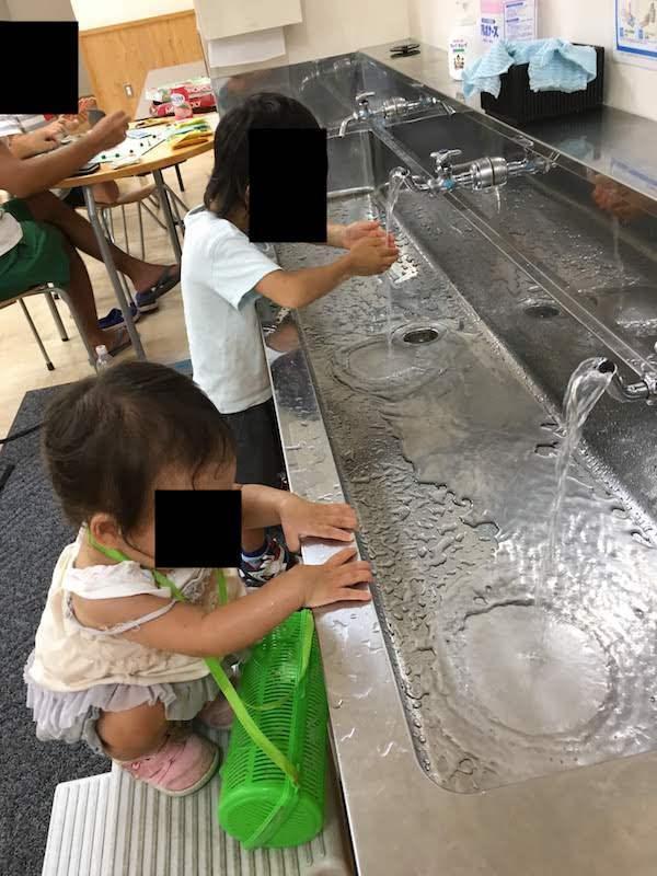 麻布子ども中高生プラザで室内遊びしたりランチ弁当食べたりするのがおすすめである