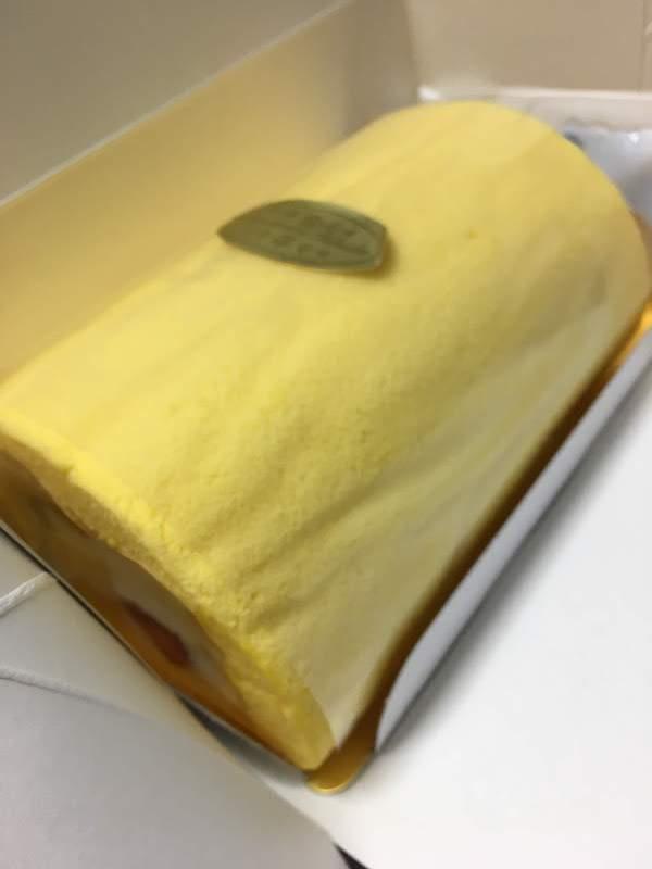 石田屋(板橋)のふわふわフルーツ(ロールケーキ)の味・食感等の感想・レビュー